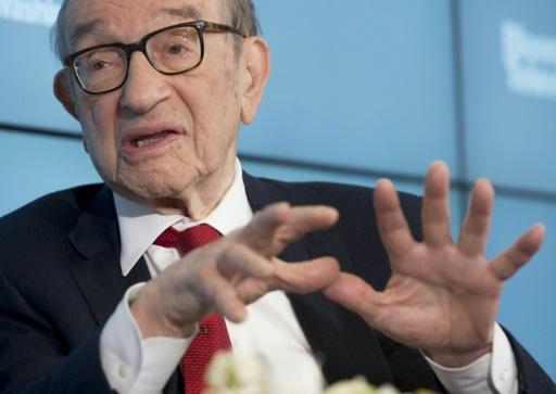 """Dès 1996, le président de la Réserve fédérale américaine Alan Greenspan, ici à Washington le 27 juin 2016, avait mis en garde contre """"l'exubérance irrationnelle"""" © SAUL LOEB AFP/Archives"""