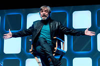 Mark Hamill fait son show lors de la Star Wars Celebration à Londres en 2016.