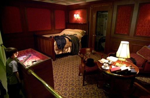 Reconstitution d'une cabine de première classe sur le Titanic, lors d'une exposition dans un musée de Chicago le 18 février 2000 © TANNEN MAURY AFP/Archives