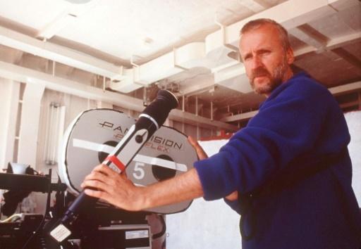 """Le réalisateur James Cameron, lors du tournage du film """"Titanic"""" © MERIE WALLACE AFP/Archives"""