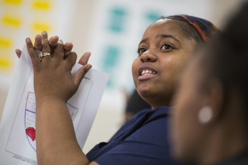 Janae Washington participe à un atelier dans le cadre d'un programme de réadaptation à l'emploi, le 14 décembre 2017 à Philadelphie © DOMINICK REUTER AFP