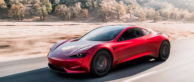 Tesla promet une autonomie de 1000kilomètres pour son roadster en 2020.