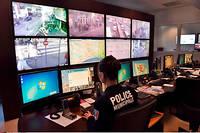 Poste de supervision de la vidéosurveillance municipale de la ville de Nice.
