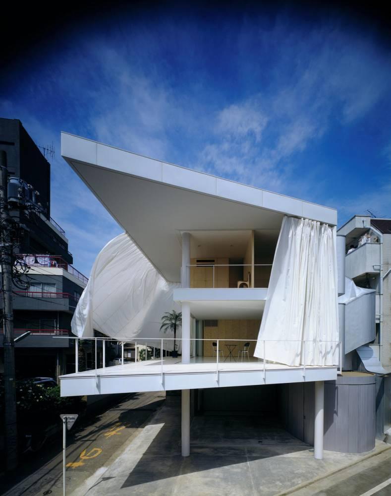 Shigeru Ban Curtain wall house, Tokyo 1965 ©   Shigeru Ban/Hiroyuki Hirai