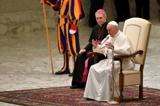 Le pape François adresse ses voeux au personnel du Vatican, le 21 décembre © Andreas SOLARO AFP