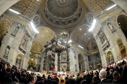 Le pape François célèbre la messe de la veillée de Noël, le 24 décembre 2017 au Vatican   © Andreas SOLARO AFP