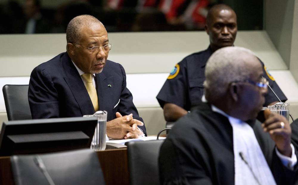 L'ex-président Charles Taylor le 26 septembre 2013 devant le tribunal spécial pour la Sierra Leone.  ©  KOEN VAN WEEL / POOL / AFP