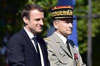 Emmanuel Macron et Pierre de Villiers lors du défilé du 14 Juillet sur les Champs-Élysées.