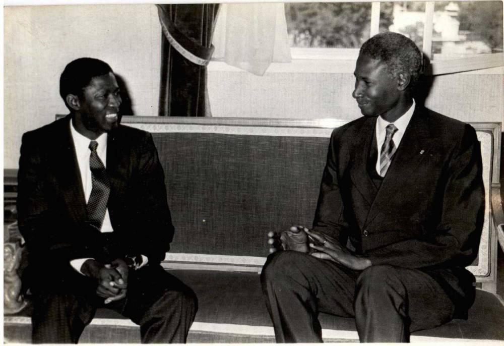 Jérôme Ollandet posant ici avec Abdou Diouf au Sénégal. ©  DR