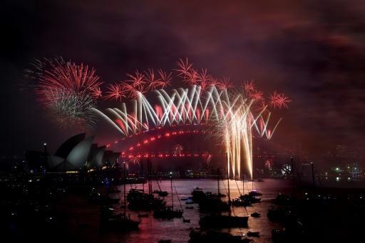 Des feux d'artifices sont tirés à Sydney le 1er janvier 2018, pour la nouvelle année © Saeed KHAN AFP