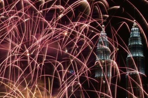 Feux d'artifice du Nouvel an à Kuala Lumpur, le 1er janvier 2018 © MOHD RASFAN AFP