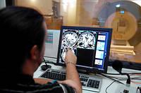 Centre de neuro-imagerie, avec un IRM de dernière génération destiné à la recherche. L'Institut du cerveau et de la moelle épinière (ICM), situé dans l'enceinte de l'hôpital de la Pitié-Salpêtrière, étudie le fonctionnement de notre cerveau, avec comme objectif de trouver un traitement contre la maladie d'Alzheimer.