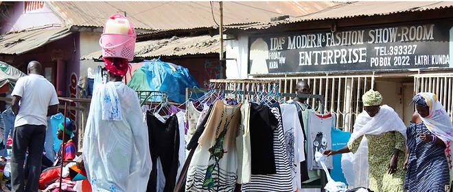 Avec l'élection d'Adama Barrow à la présidence de la République, la Gambie a retrouvé un état de grâce qui lui permet de pouvoir à nouveau exporter vers les États-Unis sans payer de droits de douane sur les produits élus dans le cadre du programme américain de l'Agoa. Ici, une vue du marché de Serekunda.