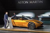 La première véritable Aston Martin depuis... 2003, la DB11 à Genève valait une peinture spéciale salon pour être dévoilée.