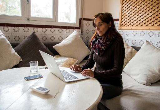 La journaliste et militante espagnole Helena Maleno chez elle à Tanger au Maroc, le 9 janvier 2018 © FADEL SENNA AFP
