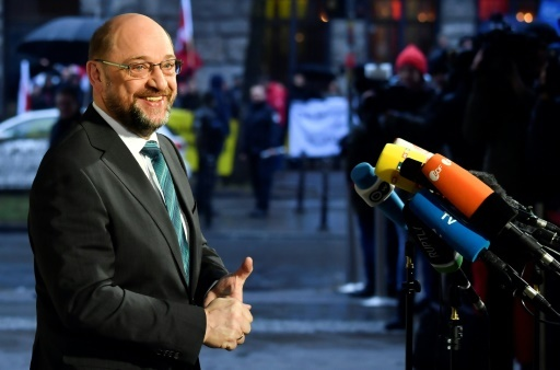 Martin Schulz, patron du SPD, fait une déclaration aux médias à son arrivée au siège du SPD, le 11 janvier 2018 à Berlin © John MACDOUGALL AFP