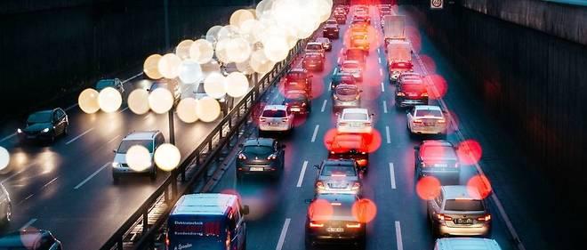 En France, 8 travailleurs sur 10 choisissent la voiture pour aller travailler.