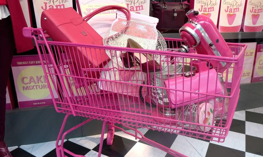 La « rosification » (« pinkification ») des biens de consommation – y compris des jouets –, censée attirer une clientèle féminine, s'est particulièrement développée aux États-Unis depuis les années 50. ©  Wikimedia/Oxfordian Kissuth, CC BY-ND