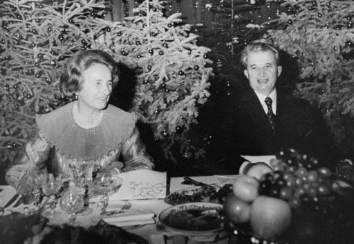 Le dictateur communiste roumain Nicolae Ceausescu et son épouse Elena, en décembre 1981 à Bucarest © STAFF ROMPRES-FILES/AFP/Archives