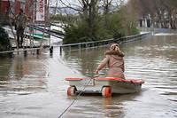 Les travaux d'aménagement des rives de la Seine, annoncés en 2015, pour protéger la capitale contre les crues seront-ils achevés en 2024 ? Rien n'est moins sûr.  ©Julien Mattia