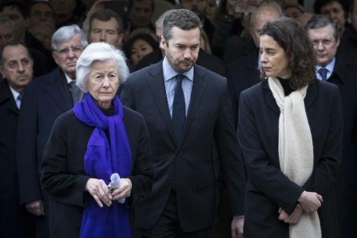 La veuve de Claude Erignac, Dominique Erignac, et ses enfants, lors de l'inauguration d'une place au nom de son mari, le 6 février 2018 © Kamil ZIHNIOGLU POOL/AFP