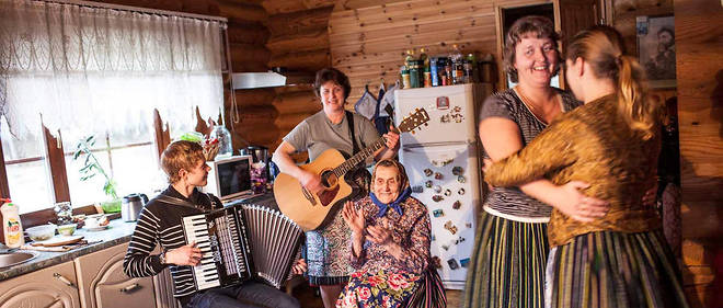 Les femmes de l'île estonienne de Kihnu, le 31 janvier 2015.