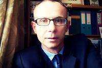 Olivier Houdé est professeur de psychologie du développement à l'université Paris-V, où il dirige le laboratoire de psychologie du développement et de l'éducation de l'enfant (LaPsyDE) du CNRS.