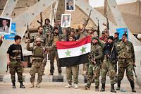 Le 8 février 2018, une troupe disparate de soldats syriens, de miliciens pro-Assad et de quelques éléments iraniens ont ouvert un front en franchissant l'Euphrate pour s'attaquer aux forces kurdes regroupées. Illustration.
