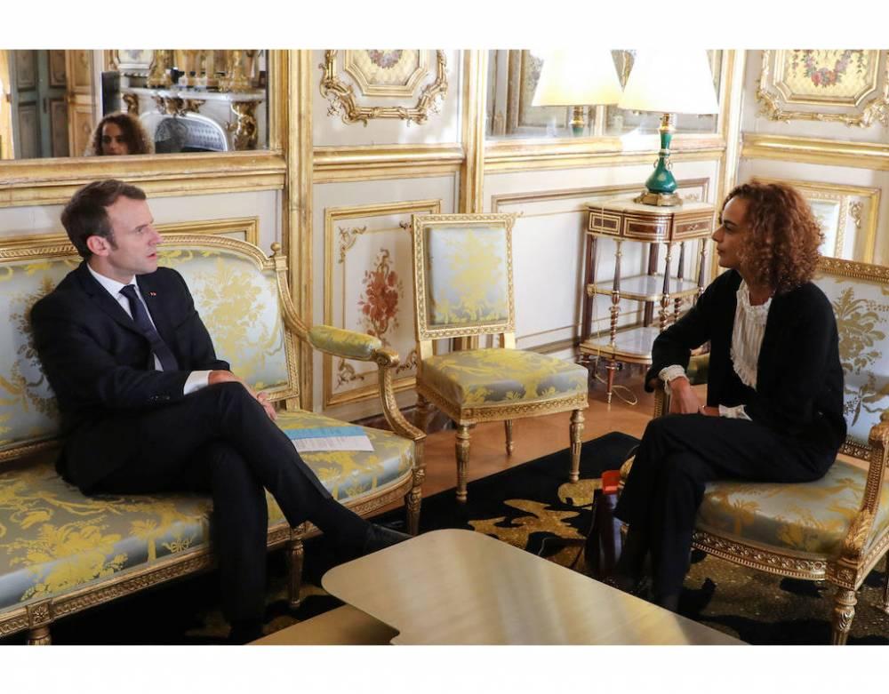 Le président français Emmanuel Macron a nommé Leila Slimani comme sa représentante personnelle pour la Francophonie. Ensemble vont-ils réussir le pari de renverser l'outil qu'est la Francophonie ? ©  AFP/ Ludovic Marin