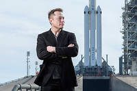 Elon Musk sur le pas de tir 39A de sa fusée Falcon Heavy, à Cap Canaveral, en Floride, le5février, veille du lancement.  ©TODD ANDERSON/The New York Times-REDUX-REA