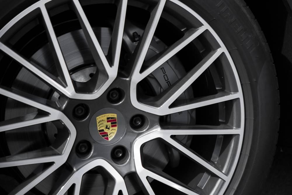 Porsche Cayenne © MANUEL HOLLENBACH MANUEL HOLLENBACH / Porsche