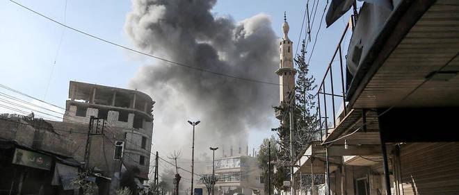 Le bilan a augmenté après la découverte de nouveaux corps sous les  décombres et la mort de victimes supplémentaires samedi, a précisé  l'Observatoire syrien des droits de l'Homme (OSDH).