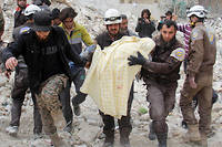 De qui la population civile de la Ghouta est-elle victime ? Des bombes du régime ou des groupuscules islamistes ultra-violents qui les retiennent en otage, demande Caroline Galactéros.