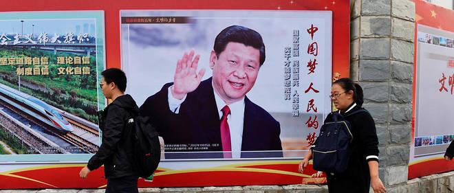 Le Parti communiste chinois souhaite maintenir le président Xi Jinping au pouvoir en supprimant la limite des deux mandats présidentiels. Une manoeuvre dénoncée par de nombreux internautes chinois.