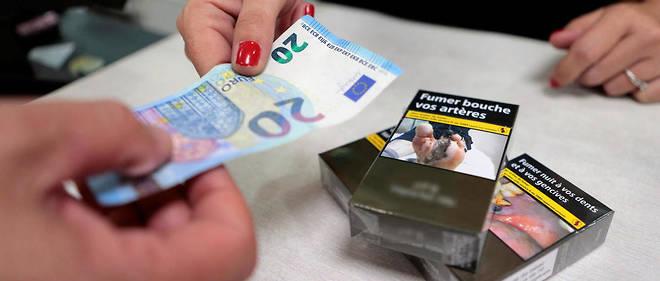 Le prix des cigarettes doit augmenter par bonds successifs pour atteindre 10 euros le paquet d'ici 2020 (photo d'illustration).