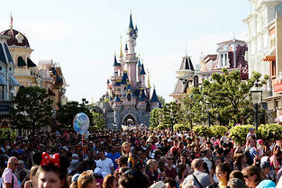 The Walt Disney Company compte investir 2 milliards d'euros pour agrandir son parc Disneyland Paris.  ©BERTRAND GUAY