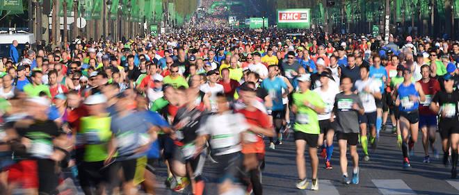 Image d'illustration, lors du dernier marathon de Paris, en avril dernier. Le nombre de participants est passé de40 000 en 2010 à 57 000 en 2017 !