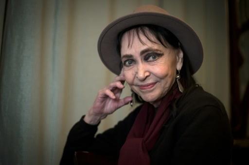 Karina sourire histoire de rencontres rencontres nom du site Web suggestions