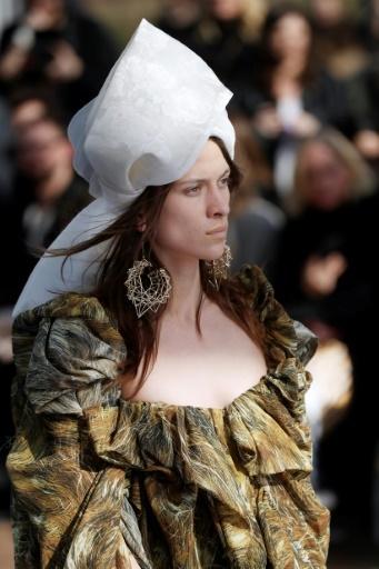 Défilé Vivienne Westwood pendant la fashion week à Paris le 3 mars 2018 © Patrick KOVARIK AFP