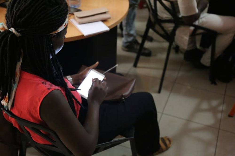 Une étudiante participe à l'événement éditathon au Nigeria, à Lagos en May 2017, organisé par la fondation. ©  Wikimedia.  Z. McCune/Wikimedia, CC BY-NC