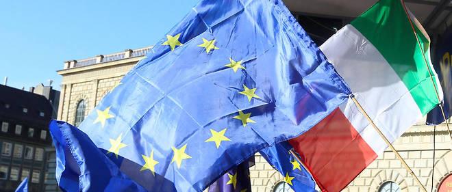 Le 4 mars, un drapeau italien à la manifestation de Pulse of Europe à Munich.