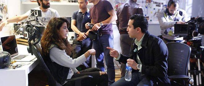 Sur le plateau du Septième voisin, Hisham et Mai, la jeune femme qu'il aime sans oser le lui dire...