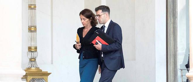 Dans le «top 12» de l'Éysée, on ne distingue qu'une seule femme, la secrétaire générale adjointe Anne de Bayser, ici en présence d'Ismaël Emelien, conseiller spécial du président de la République.