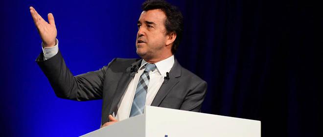 Europe 1 est « un actif qu'on veut garder, tout comme Paris Match et le JDD », assure Arnaud Lagardère.
