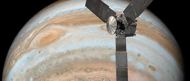 La sonde américaine Juno survolant la planète géante gazeuse Jupiter.