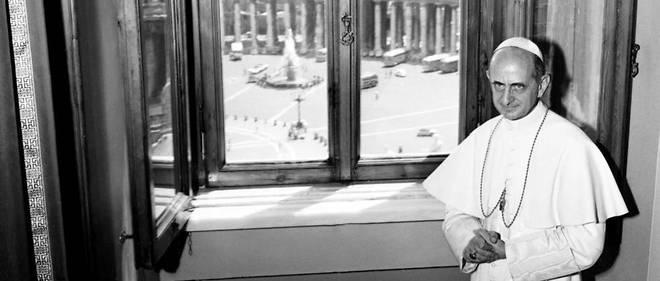 Le pape Paul VI dans ses appartements privés peu de temps après son élection en 1963.