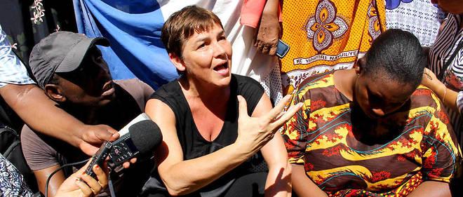La ministre des Outre-Mer lors de son passage à Mayotte pour gérer la crise qui paralyse l'archipel français.