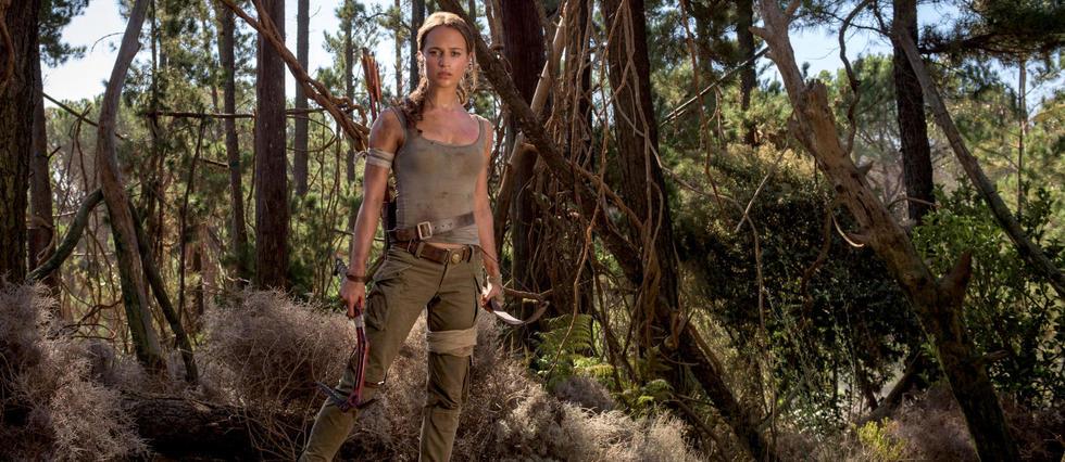 <p>Alicia Vikander n'a plus rien &#224; voir avec la bimbo tueuse incarn&#233;e par Angelina Jolie en 2001 dans le premier film Tomb Raider.&#160;</p> <p>&#160;</p>