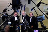 De gauche à droite, Pierre-Olivier Sur, Emmanuel Ravanas et Hervé Temime, les avocats de Laura Smet à l'issue de l'audience qui s'est tenue le 15 mars.