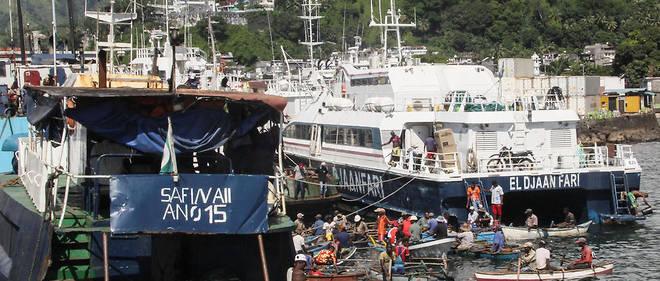 Les Comores ont pris leur indépendance en 1975, mais Mayotte a décidé de rester dans le giron français.